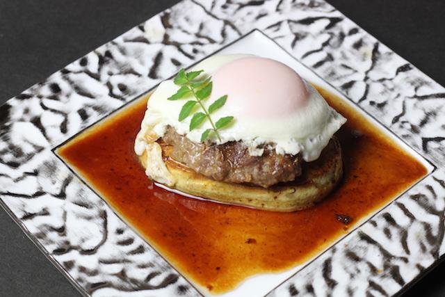 朝堀筍とハンバーグの目玉焼き乗せソイソース